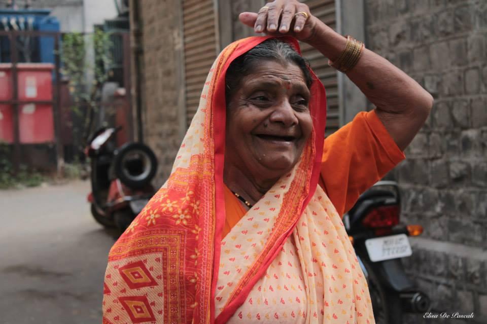 sorriso donna forza india