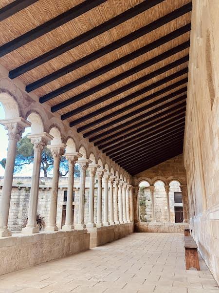 porticato abbazia cerrate